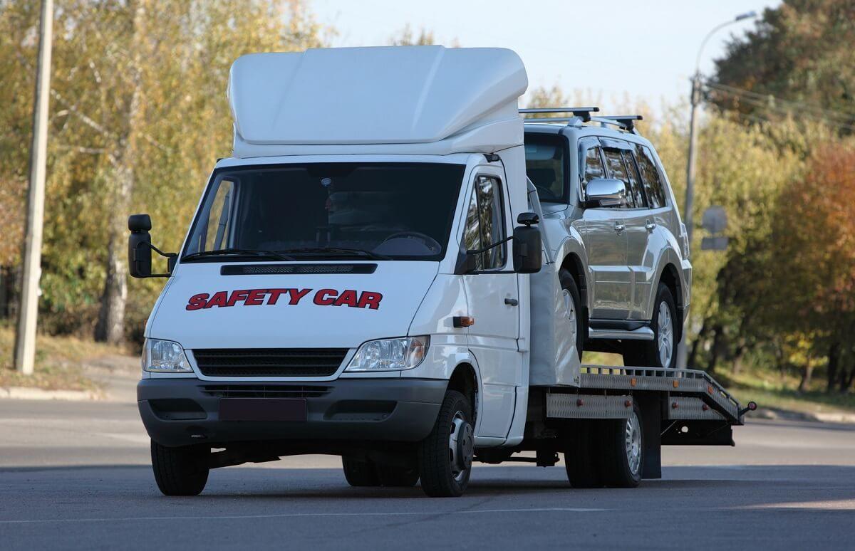 Zasady transportu samochodów na lawecie