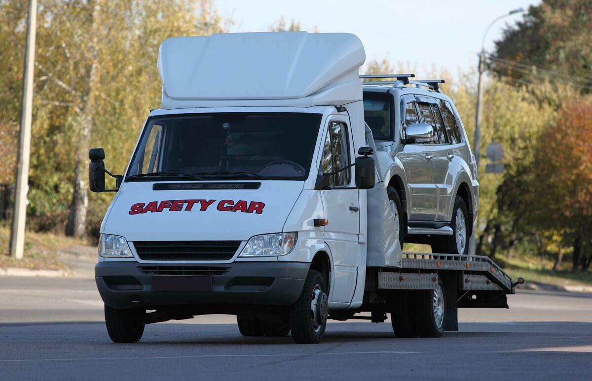 transport samochodu na lawecie z Niemiec