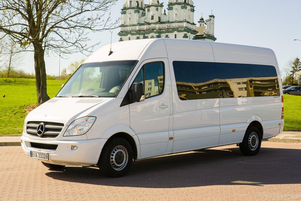 Mercedes sprinter 319cdi bus do Niemiec na parkingu Białystok
