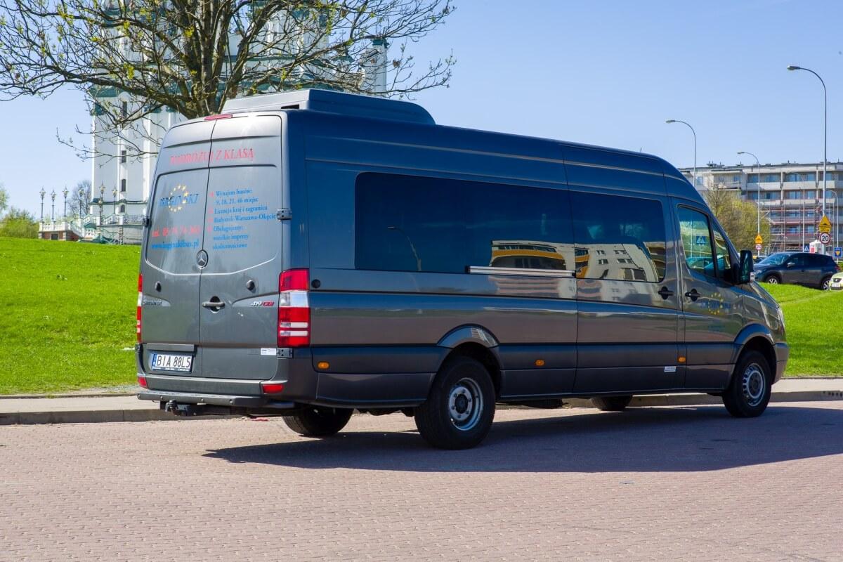 Mercedes sprinter 419cdi bus do Niemiec na parkingu Białystok